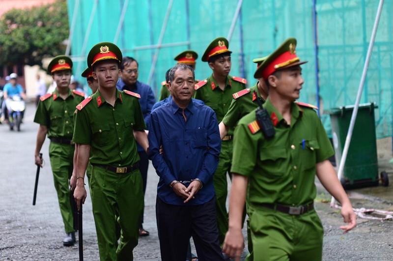 Ông Trầm Bê lãnh thêm 3 năm tù, không bồi thường 505 tỉ - ảnh 3