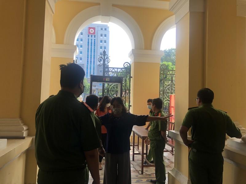 Cựu phó chủ tịch Nguyễn Thành Tài bị phạt 8 năm tù - ảnh 1