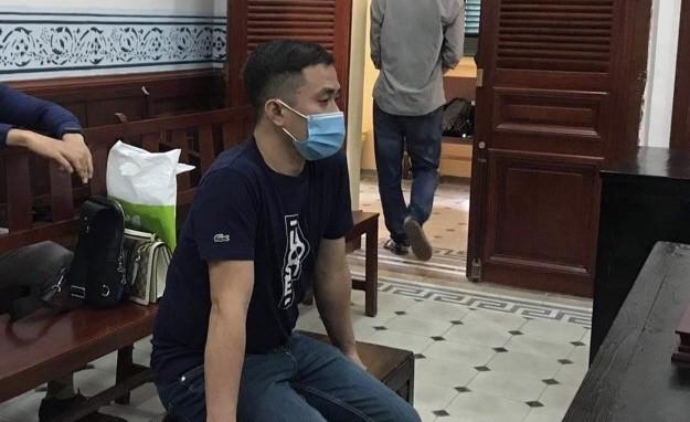 Phạt người xuất cảnh đem theo gần 15.000 USD - ảnh 1