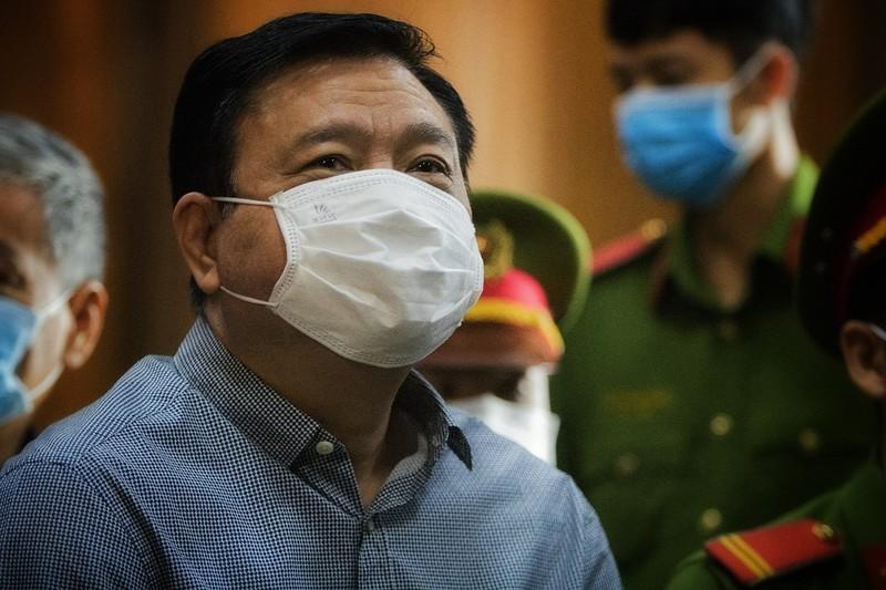 Đinh Ngọc Hệ bị bệnh chưa thể xuất viện, tòa phải hoãn xử - ảnh 3
