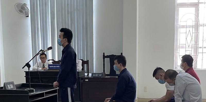 Trình chiếu ảnh hiện trường, triệu tập điều tra viên đến tòa - ảnh 1