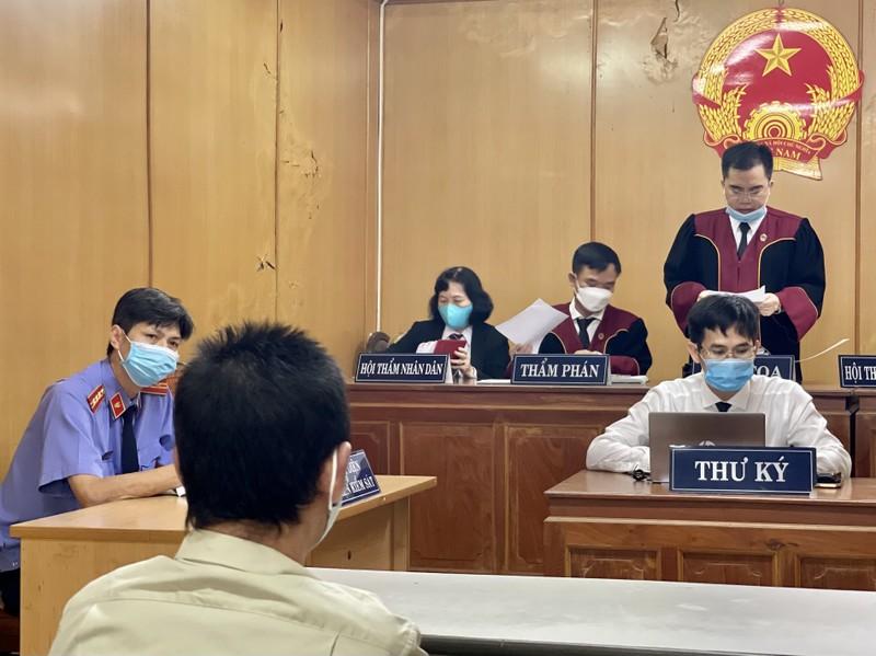 Đang xử vụ đổ xăng đốt nhà làm chết 3 người ở Bình Tân - ảnh 1