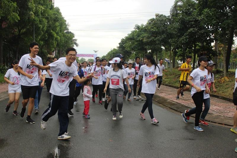 Hơn 3.000 người chạy tiếp sức cho sinh viên nghị lực - ảnh 8