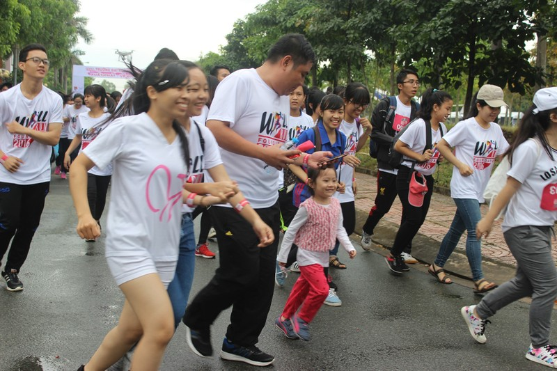 Hơn 3.000 người chạy tiếp sức cho sinh viên nghị lực - ảnh 3