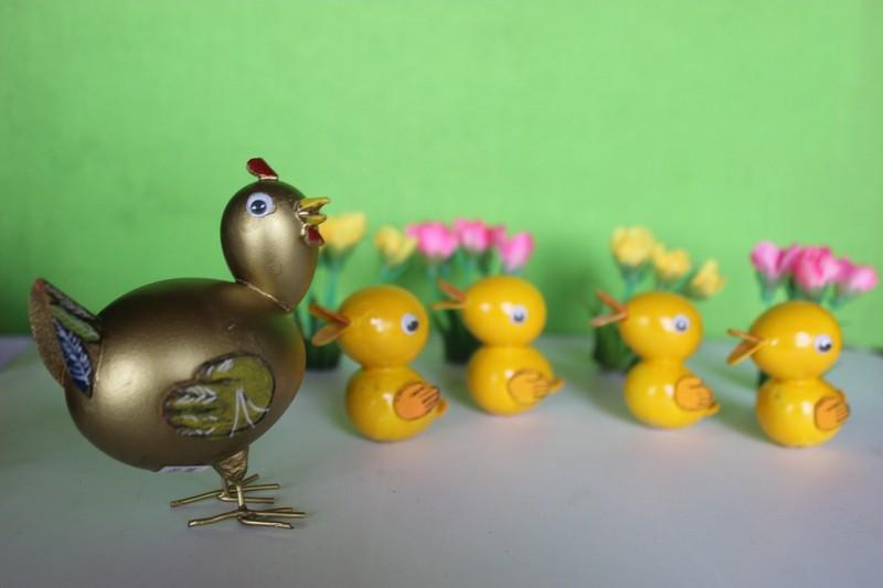 Nghệ nhân làm gà bằng vỏ trứng để chúc tết - ảnh 5
