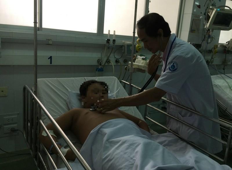 Tháng 10 vẫn phải chiến đấu với sốt xuất huyết - ảnh 1