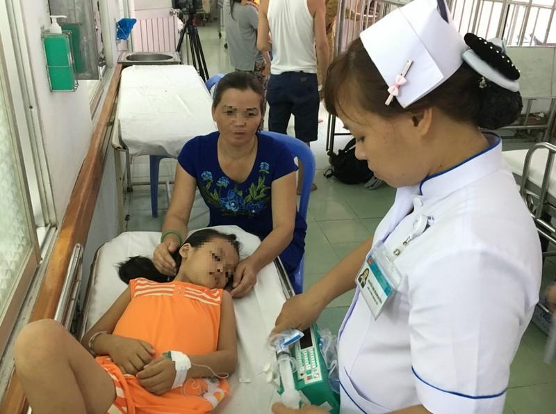 Trẻ nhập viện vì sốt rét tiếp tục tăng  - ảnh 1