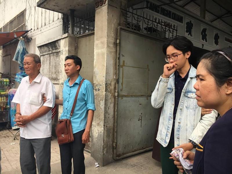 Người thân khóc đưa chủ tịch phường Nguyễn Thái Bình - ảnh 3