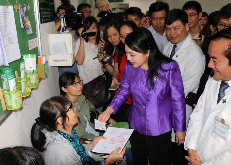 Một bệnh viện tư ở TP.HCM trả 152 triệu đồng/tháng cho bác sĩ - ảnh 1