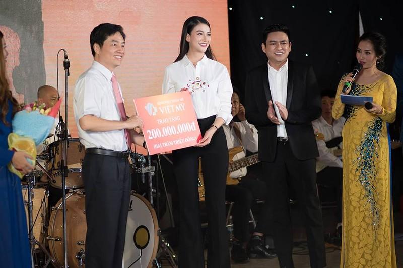 Đêm nhạc Blouse trắng quyên góp hơn 350 triệu cho sinh viên y  - ảnh 2