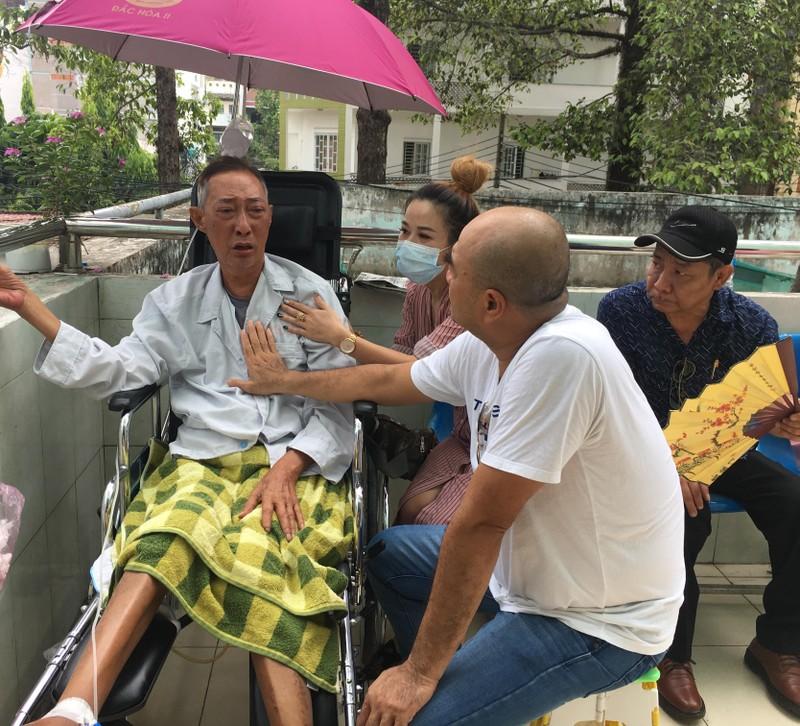 Nghệ sĩ Lê Bình đã tỉnh táo và thèm một ly trà đá - ảnh 1