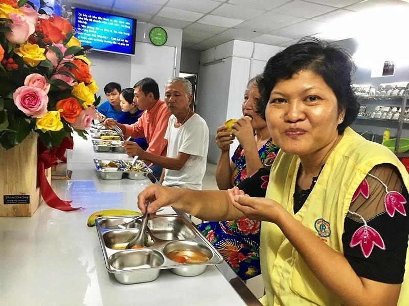 BV Chợ Rẫy đưa vào hoạt động 'bếp yêu thương' - ảnh 2