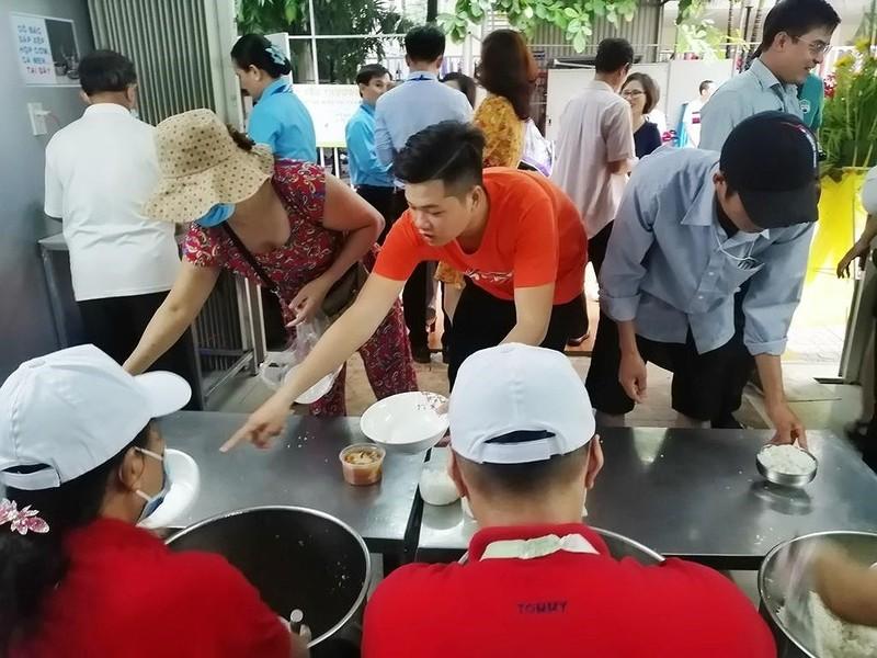 BV Chợ Rẫy đưa vào hoạt động 'bếp yêu thương' - ảnh 4