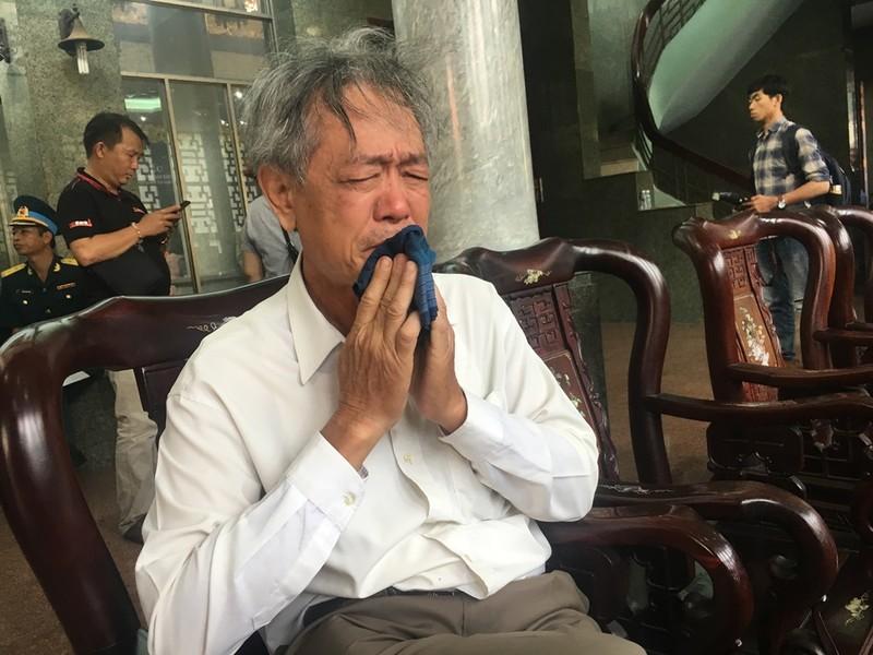 Hàng ngàn người đến viếng anh hùng phi công Nguyễn Văn Bảy - ảnh 3