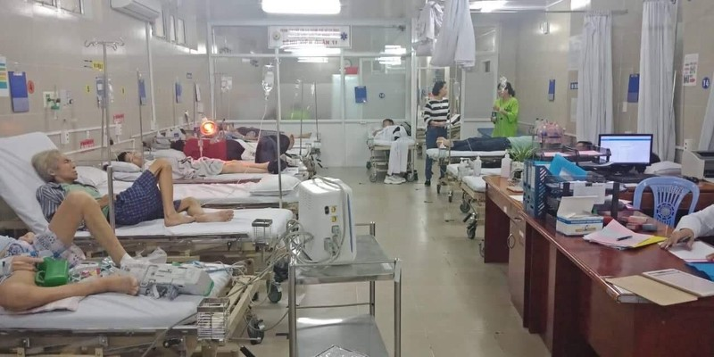 Hàng trăm học sinh đi dã ngoại phải cấp cứu sau khi ăn xôi gà - ảnh 2