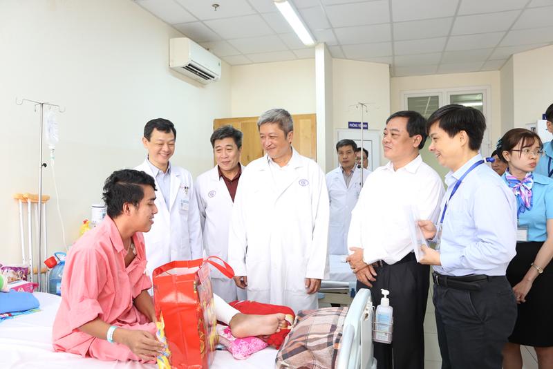 Thứ trưởng Bộ Y tế lưu ý BV Chợ Rẫy cảnh giác virus corona - ảnh 2