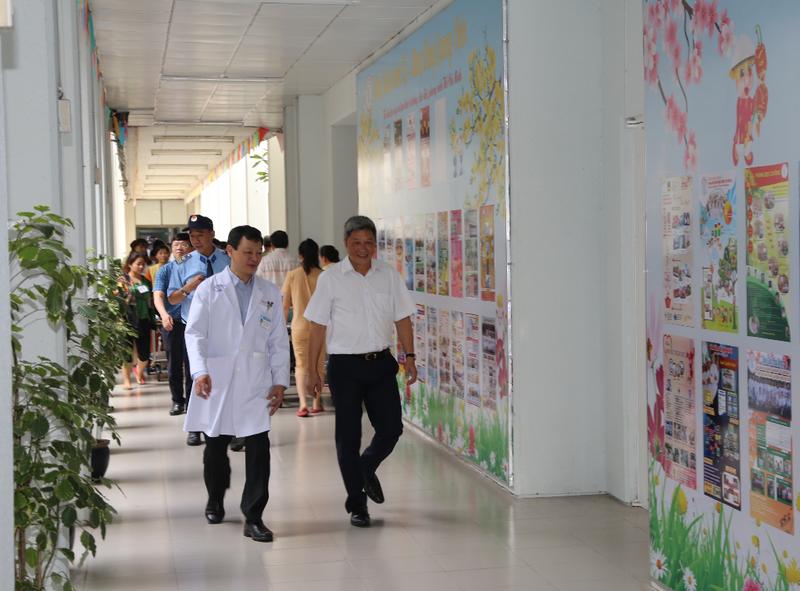 Thứ trưởng Bộ Y tế lưu ý BV Chợ Rẫy cảnh giác virus corona - ảnh 1