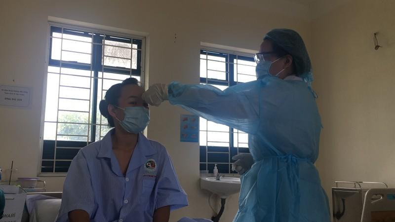 Phi công chở bệnh nhân thứ 17 khai báo để được cách ly - ảnh 1