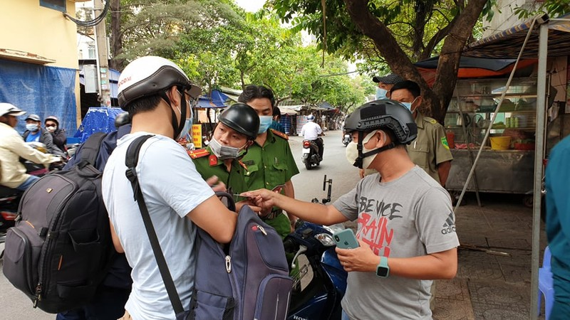 TP.HCM: Cách ly chung cư Hòa Bình với 1.000 dân - ảnh 3