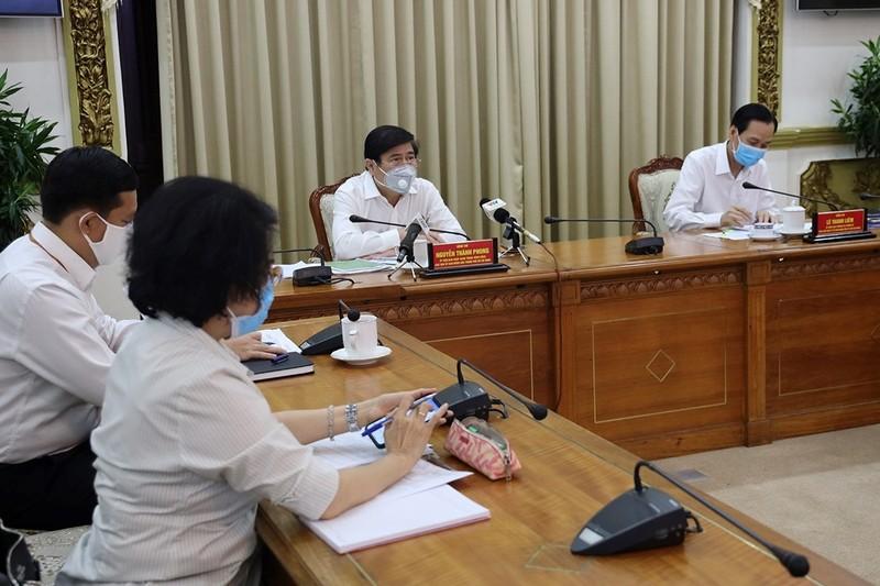 Chủ tịch TP.HCM nói về việc người dân tìm không ra khẩu trang - ảnh 1