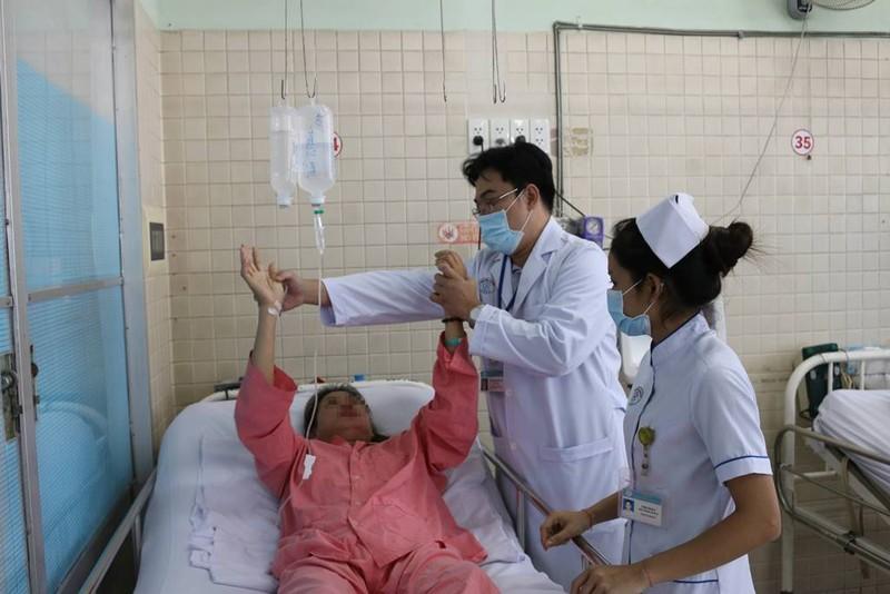 Bệnh nhân đang nằm viện đột nhiên đau đầu, hôn mê sâu - ảnh 1
