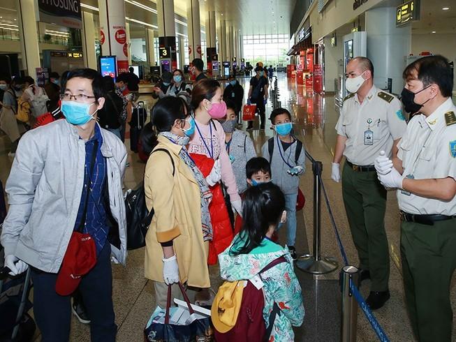 Đã có 350.000 người nhập cảnh vào Việt Nam - ảnh 1