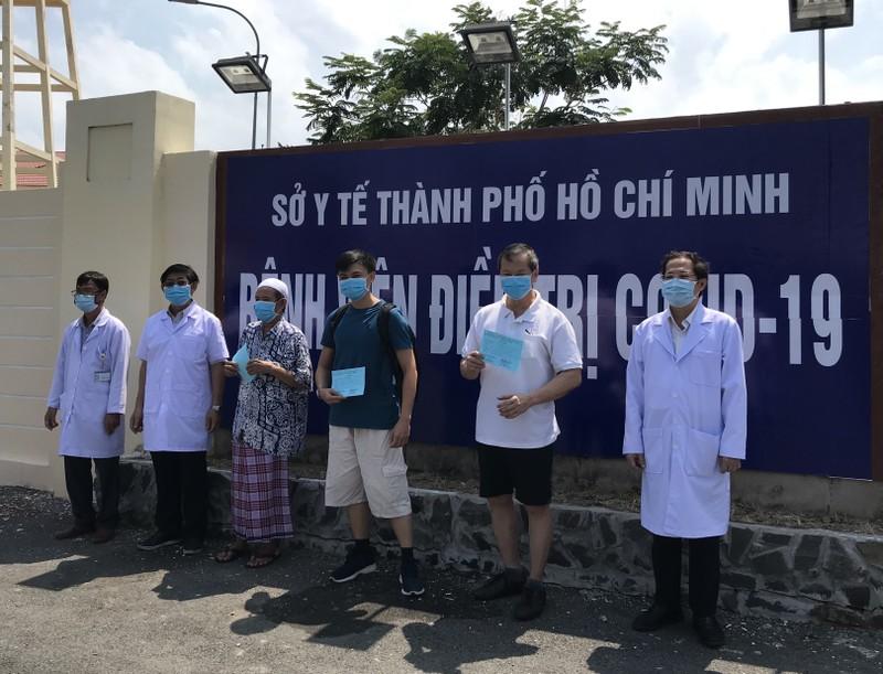 TP.HCM: Bệnh nhân 100 đi lễ Hồi giáo 5 lần/ngày xuất viện - ảnh 1