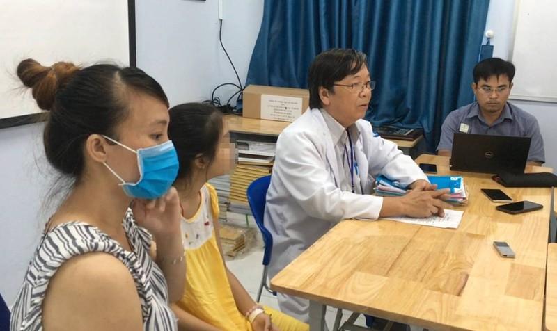 Ca phẫu thuật 'sóng gió' thông khí vào phổi cho bé gái   - ảnh 1