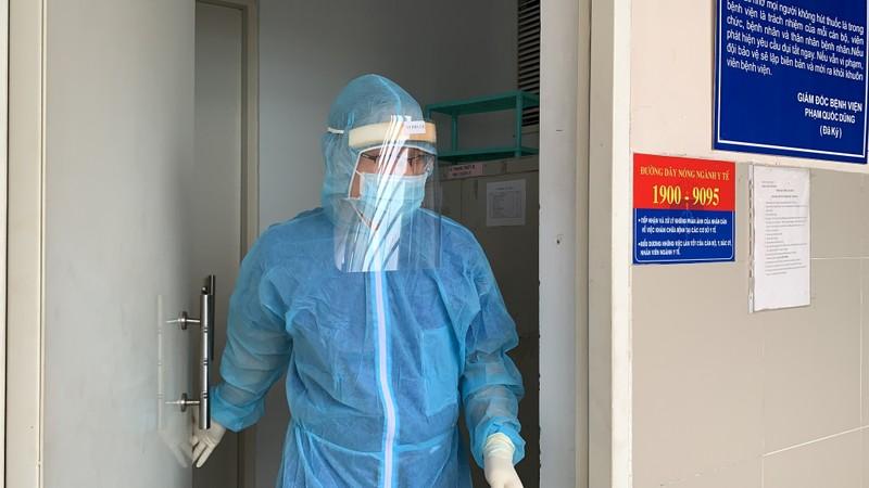 Bệnh viện ở TP.HCM phòng dịch COVID-19 cho người bệnh ra sao?  - ảnh 5