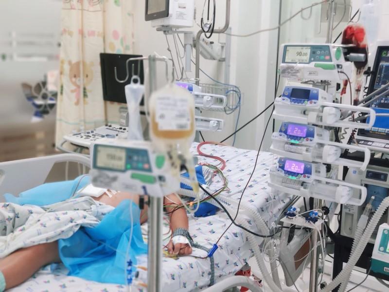 Bé trai 13 tuổi sốc xuất huyết hai lần nguy kịch - ảnh 1