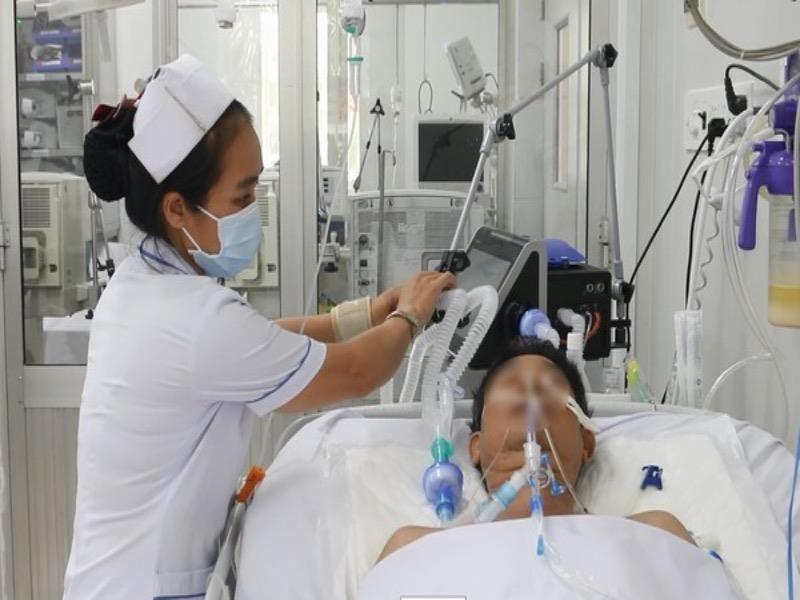 Yếu liệt cơ do ngộ độc pate chay bị điều trị nhầm hơn 1 tháng - ảnh 1