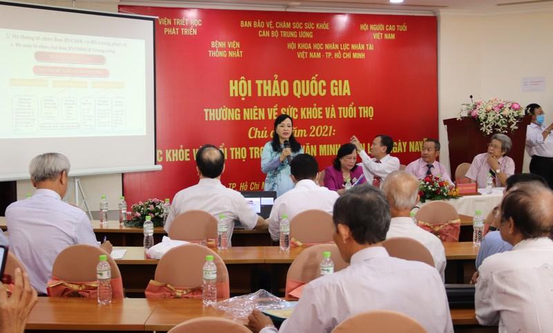 Dân số Việt Nam đang già nhanh: 'Chưa giàu thì đã già' - ảnh 1