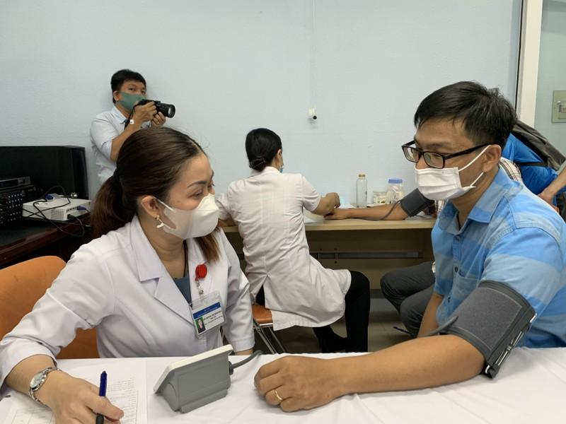 TP.HCM tiêm vaccine COVID-19 cho hơn 80 nhà báo  - ảnh 1