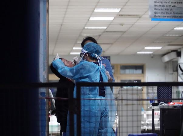 1 bệnh viện ở TP.HCM phát hiện cụ ông 83 tuổi nghi COVID-19 - ảnh 1