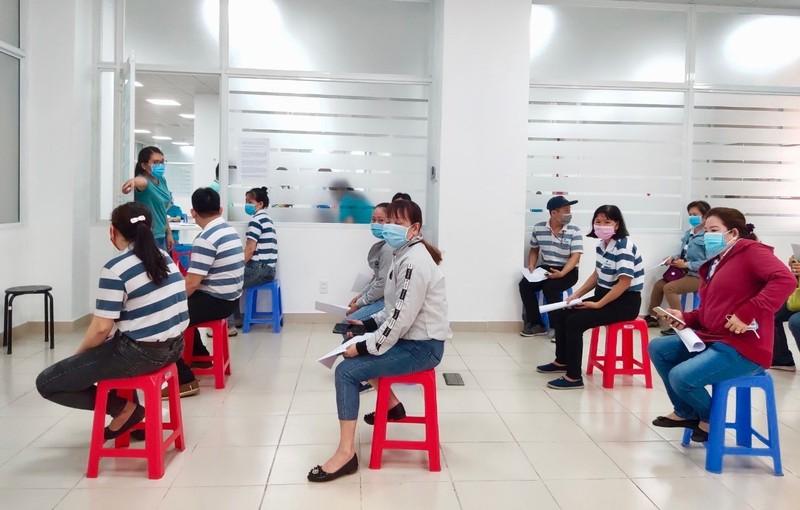 TP.HCM tiêm vaccine COVID-19 cho hơn 8.500 công nhân - ảnh 2