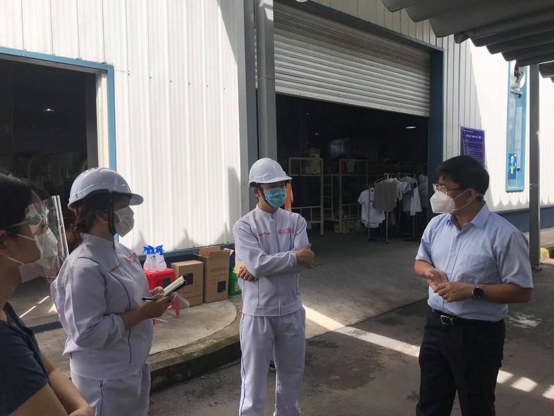 Bộ Y tế góp ý '3 tại chỗ' cho doanh nghiệp cách ly sản xuất ở TP.HCM - ảnh 1