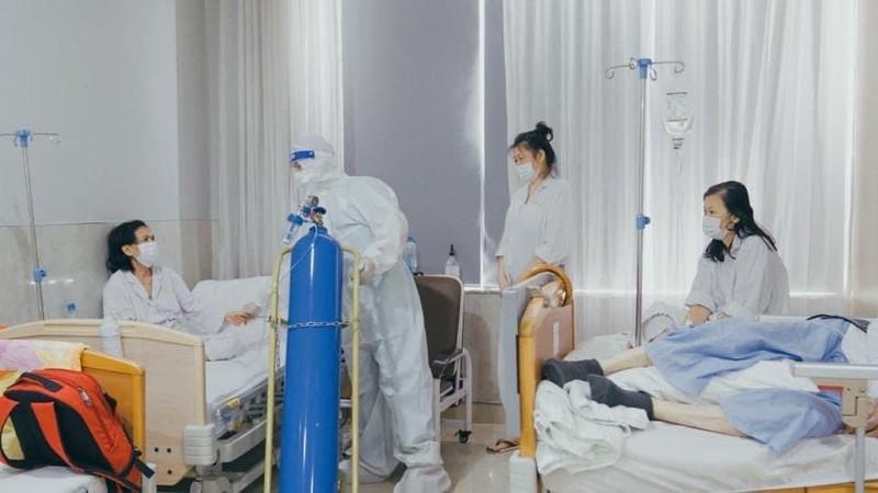 Cơ sở tư nhân điều trị COVID-19 ở TPHCM được thu phí ra sao?   - ảnh 1