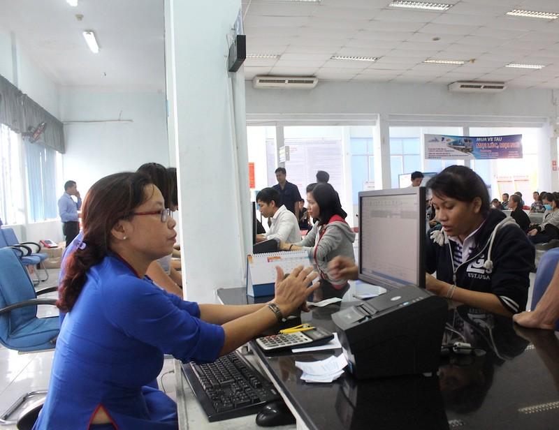 Hành khách chủ yếu mua vé tàu tết qua mạng - ảnh 1