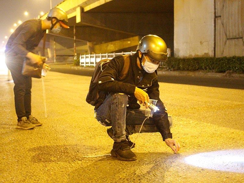 'Đinh tặc' hoành hành trên quốc lộ 1 đoạn qua TP Thủ Đức - ảnh 1