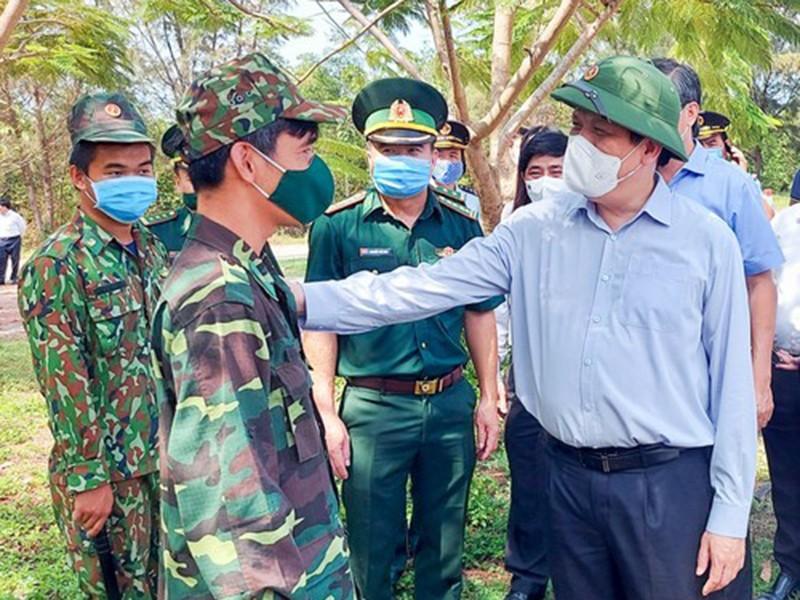 Bộ trưởng Bộ Y tế: Siết chặt đường biên, ngăn chặn dịch COVID - ảnh 1