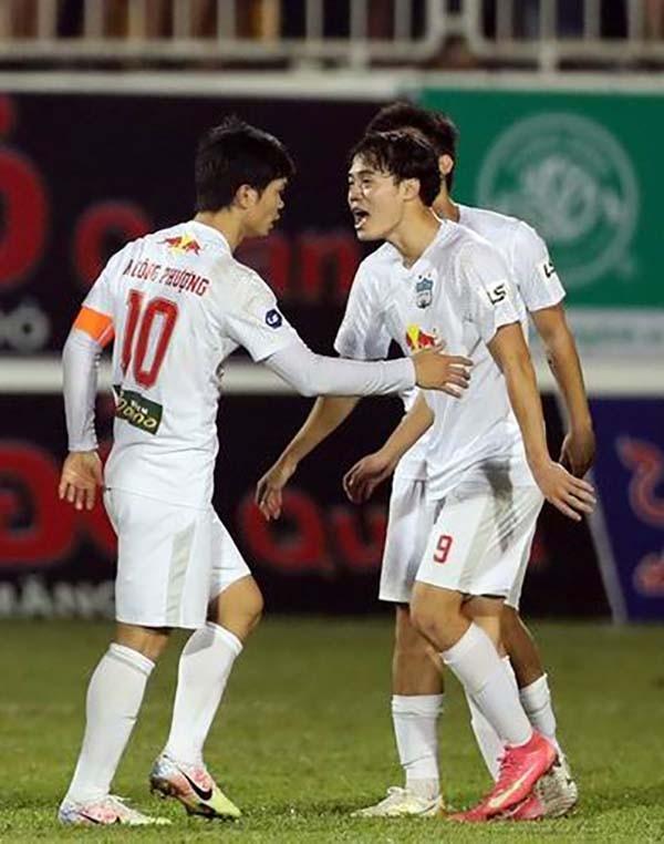 HA Gia Lai vô địch lượt đi, nóng nhóm cuối - ảnh 2