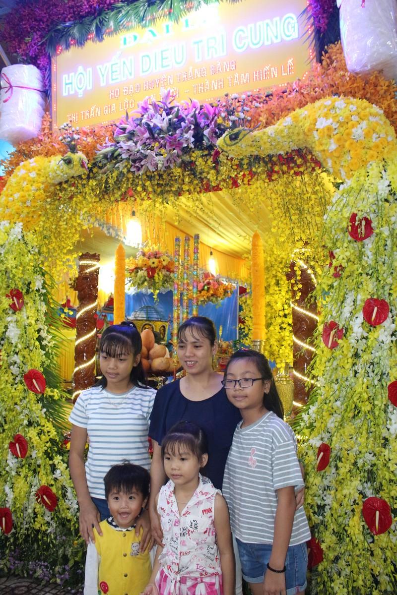 Rực rỡ đèn hoa tại đại lễ của đạo Cao Đài - ảnh 8
