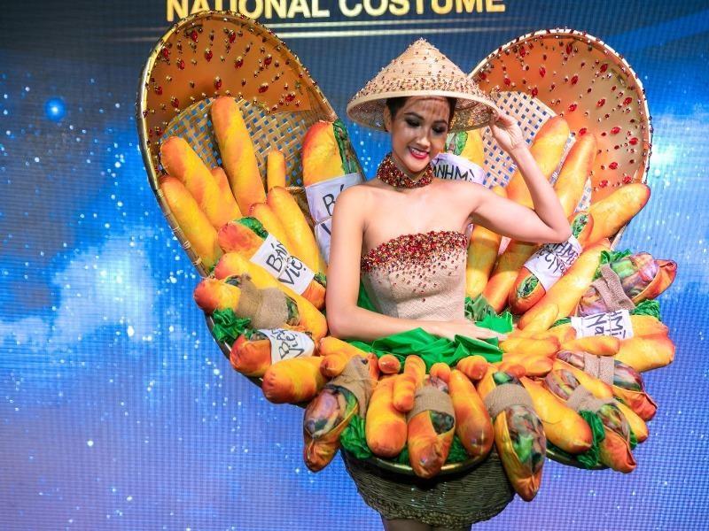 Váy Bánh mì của hoa hậu H'Hen Niê được chỉnh sửa - ảnh 1