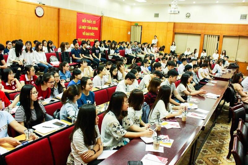 Tìm kiếm, nâng đỡ sinh viên Việt tài năng - ảnh 2