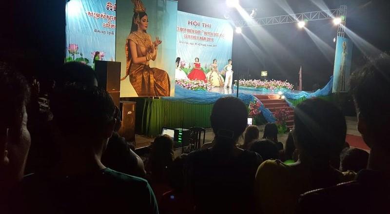 Vui không tưởng ở cuộc thi hoa hậu biên giới Việt-Campuchia - ảnh 12