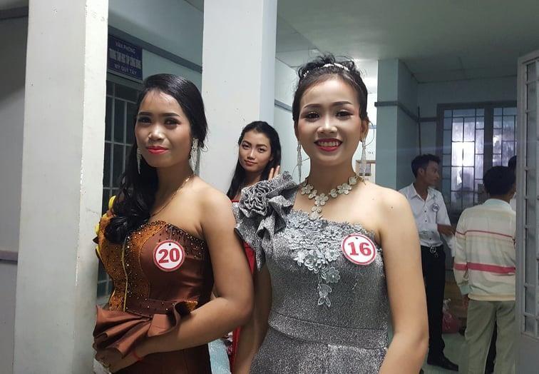 Vui không tưởng ở cuộc thi hoa hậu biên giới Việt-Campuchia - ảnh 2