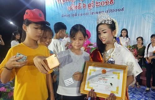Chung kết hoa hậu biên giới Việt-Campuchia: Đẹp đến khó tin! - ảnh 12