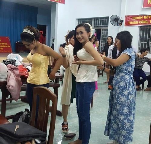 Chung kết hoa hậu biên giới Việt-Campuchia: Đẹp đến khó tin! - ảnh 5