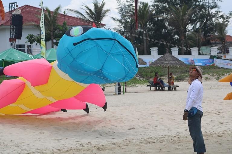 Ảnh: Độc đáo 'động vật biển' bay lên trời - ảnh 7