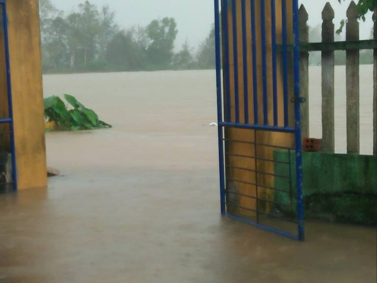 Quảng Nam ngập nặng sau bão số 12 - ảnh 7